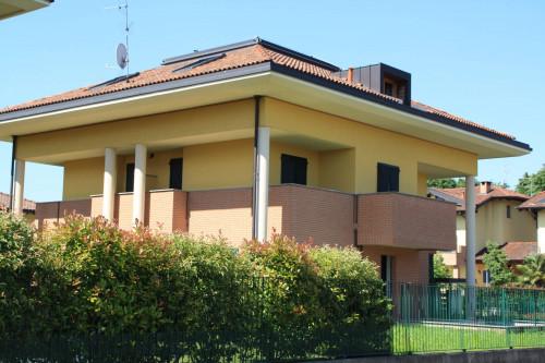 Villa Bifamiliare in Vendita a Arcore