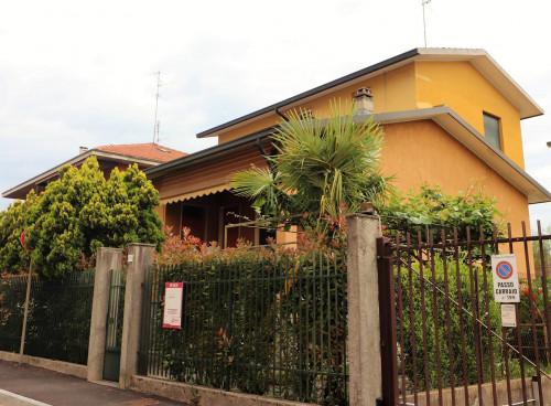 Villa singola in Vendita a Vimercate