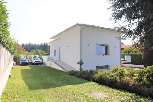 Villa singola in Vendita a Casatenovo