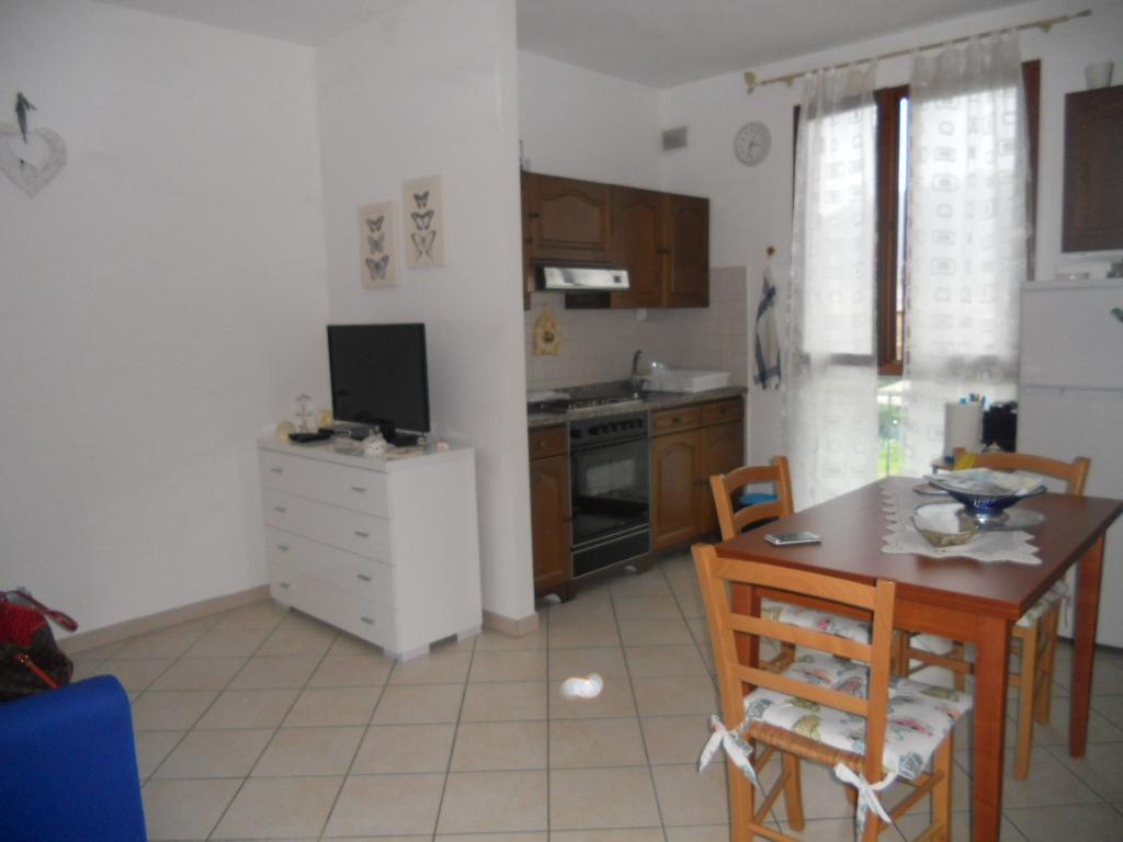 Appartamento in affitto, rif. AC5129