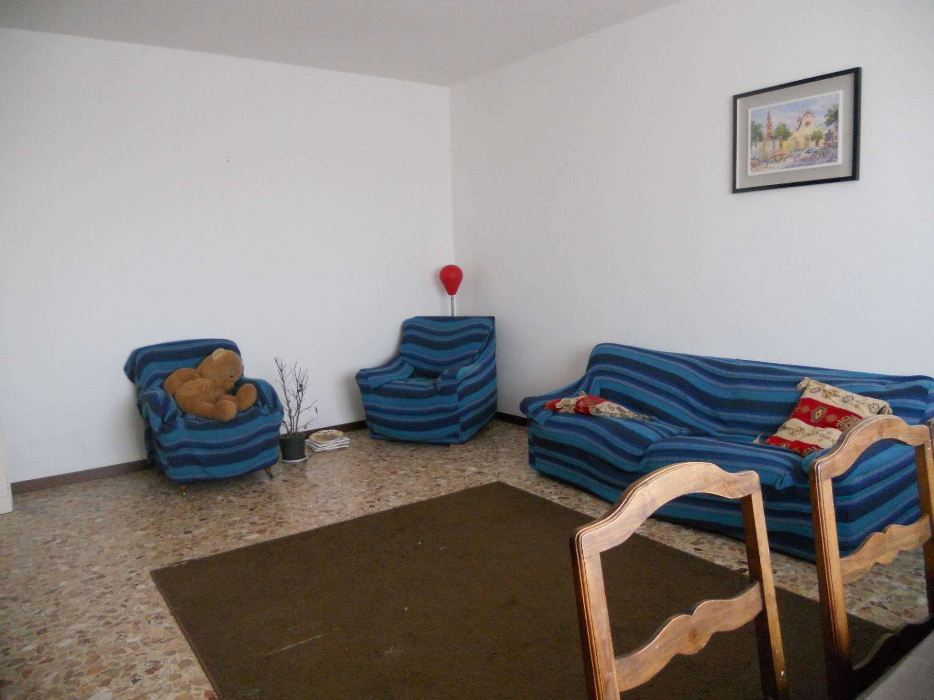 Appartamento in affitto, rif. AC6365