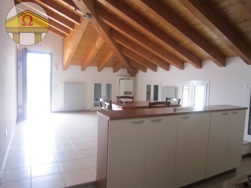 Attico in affitto a Camalo', Povegliano (TV)