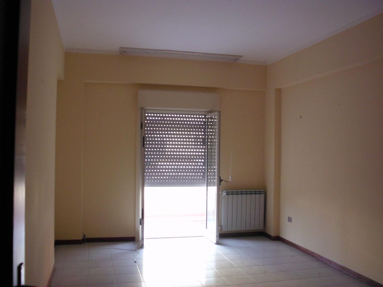 affitto appartamento milazzo ponente  480 euro  5 locali  130 mq