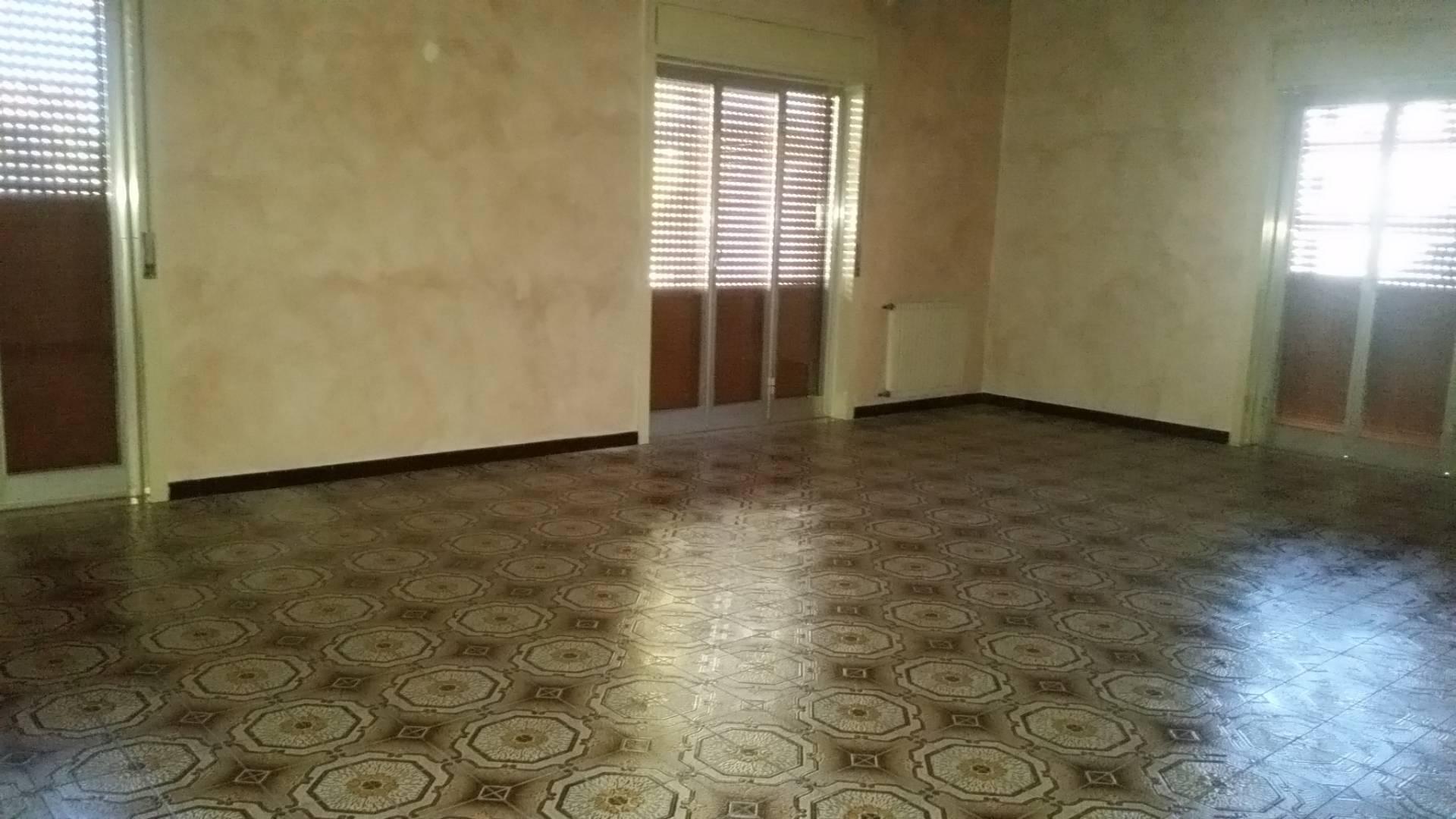 vendita appartamento barcellona pozzo di gotto   117000 euro  5 locali  170 mq