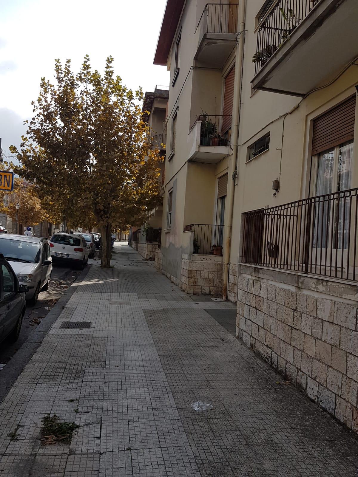 Appartamento in vendita a Barcellona Pozzo di Gotto, 5 locali, zona Località: UmbertoI, prezzo € 100.000 | PortaleAgenzieImmobiliari.it
