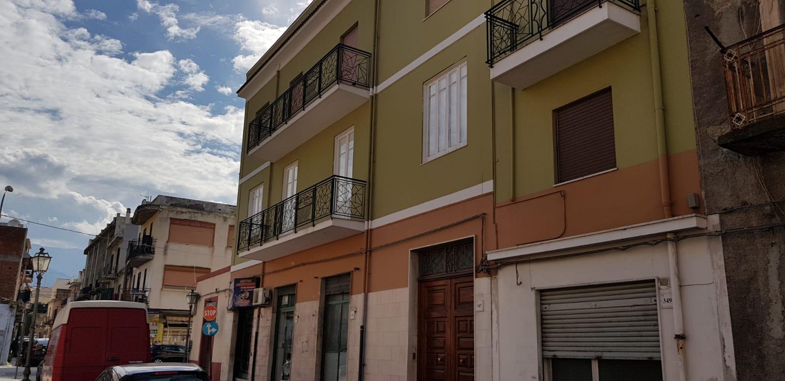 Appartamento in vendita a Barcellona Pozzo di Gotto, 6 locali, prezzo € 85.000 | PortaleAgenzieImmobiliari.it