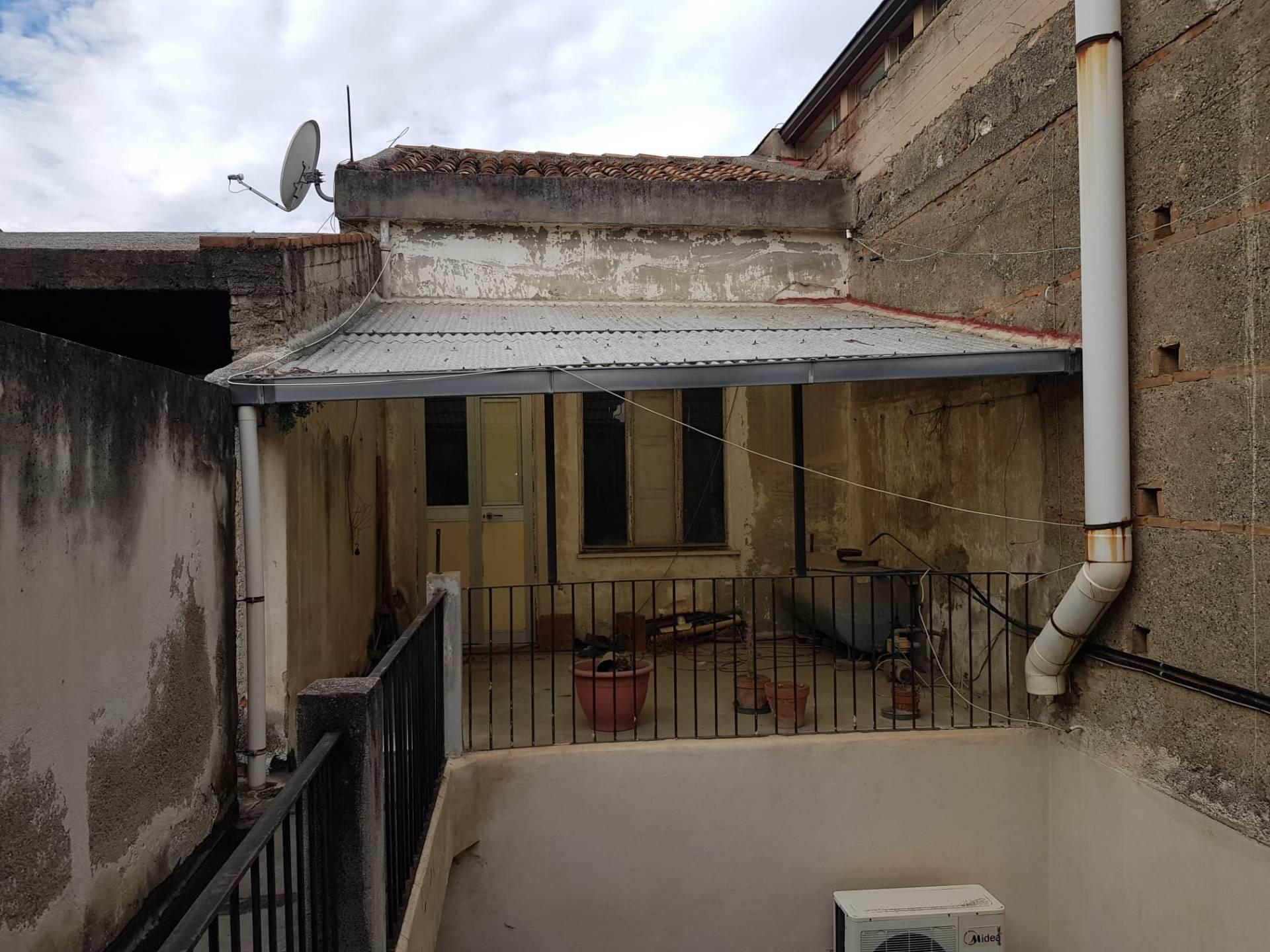 Appartamento in vendita a Barcellona Pozzo di Gotto, 4 locali, prezzo € 58.000 | PortaleAgenzieImmobiliari.it