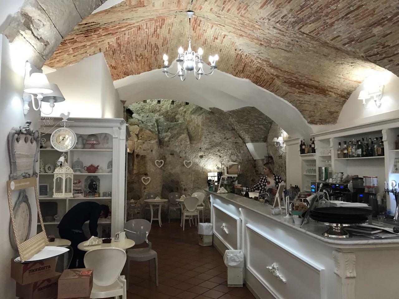 Locale commerciale in Vendita a Cagliari - Cod. AO59