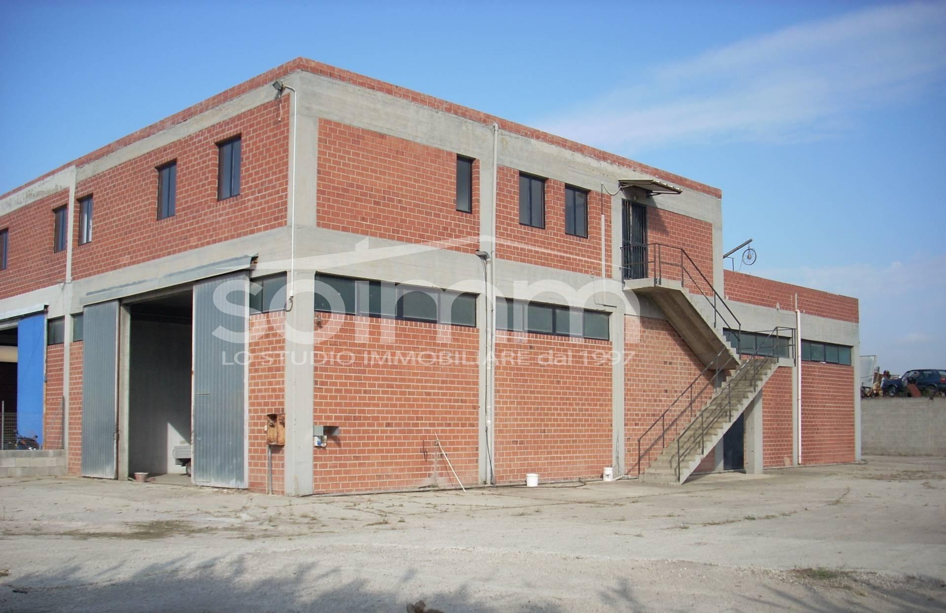 Capannone Industriale in Affitto a Cagliari - Cod. AO143