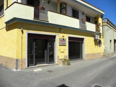 Locale Artigianale in Affitto a Quartu Sant'Elena