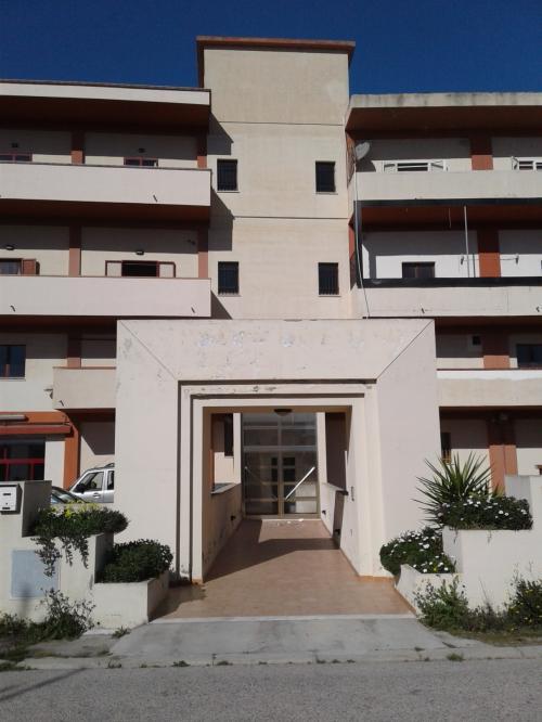 Capannone Commerciale in Vendita a Cagliari