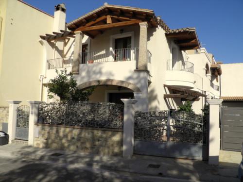 Villa Bifamiliare in Vendita a Sinnai