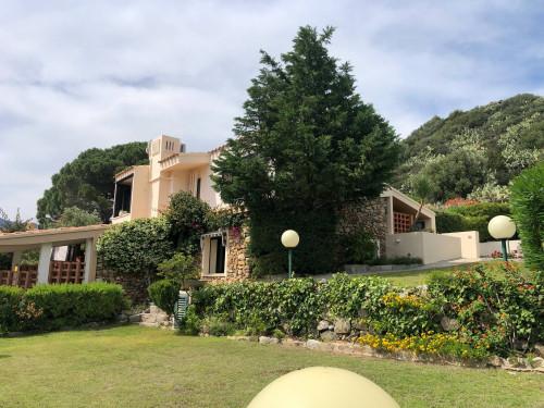Villa Caposchiera in Vendita a Villasimius