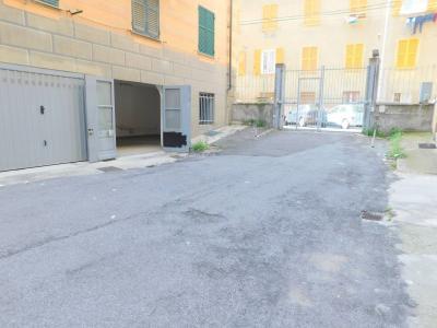 Vai alla scheda: Box / Posto auto Vendita Genova