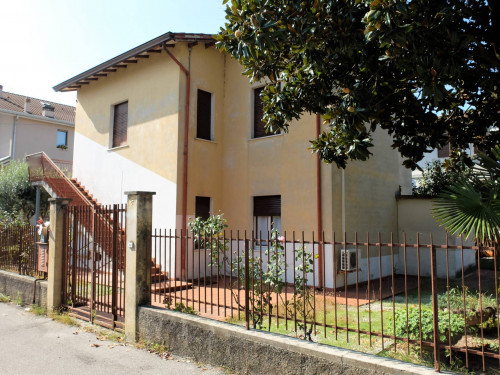 Vai alla scheda: Villetta bifamiliare Vendita Peschiera del Garda