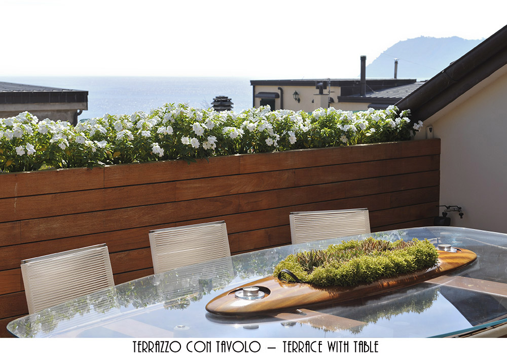 Attico / Mansarda in vendita a Alassio, 6 locali, Trattative riservate | PortaleAgenzieImmobiliari.it