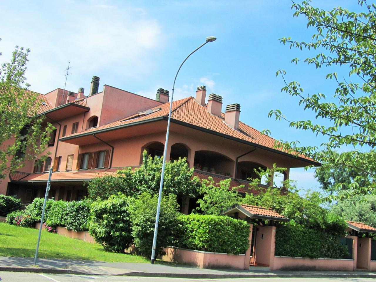 Villa in vendita a Opera, 5 locali, prezzo € 530.000 | PortaleAgenzieImmobiliari.it