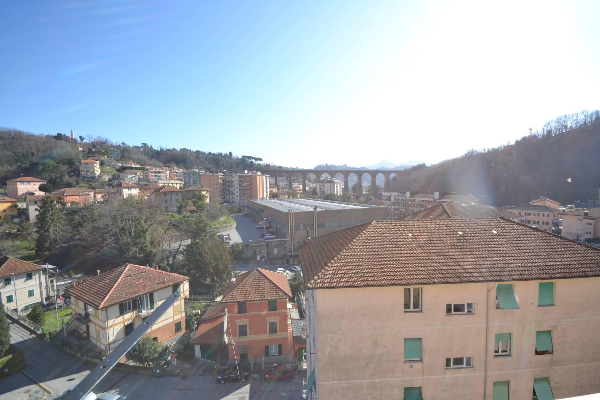 Appartamento in affitto a Campomorone, 6 locali, prezzo € 360 | CambioCasa.it