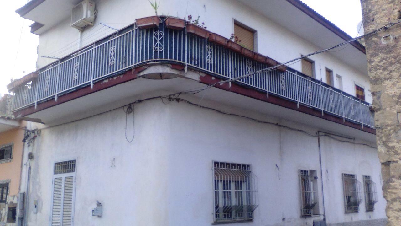 Appartamento in vendita a Marigliano, 3 locali, prezzo € 73.000 | CambioCasa.it