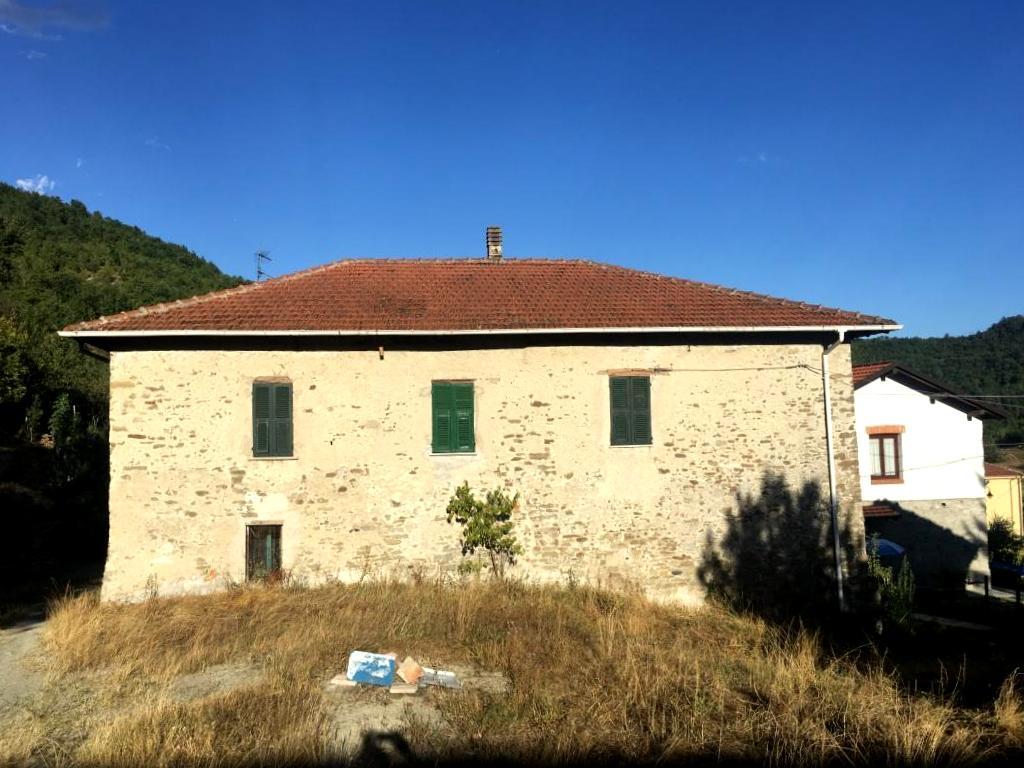 Soluzione Indipendente in vendita a Dego, 10 locali, zona a, prezzo € 60.000 | PortaleAgenzieImmobiliari.it