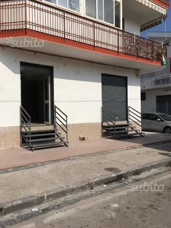 Negozio / Locale in affitto a Marigliano, 9999 locali, prezzo € 430 | CambioCasa.it