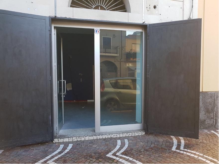 Attività / Licenza in affitto a Brusciano, 1 locali, prezzo € 750   CambioCasa.it