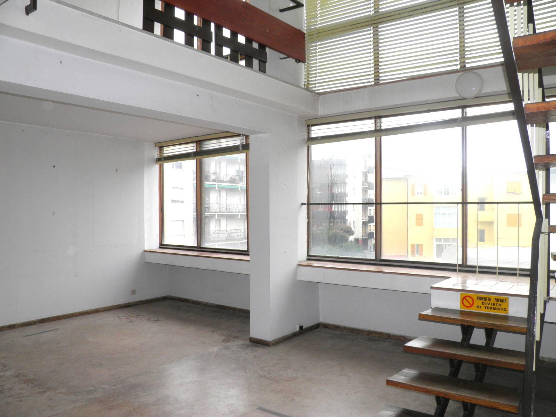 vendita appartamento albissola marina   230000 euro  3 locali  105 mq
