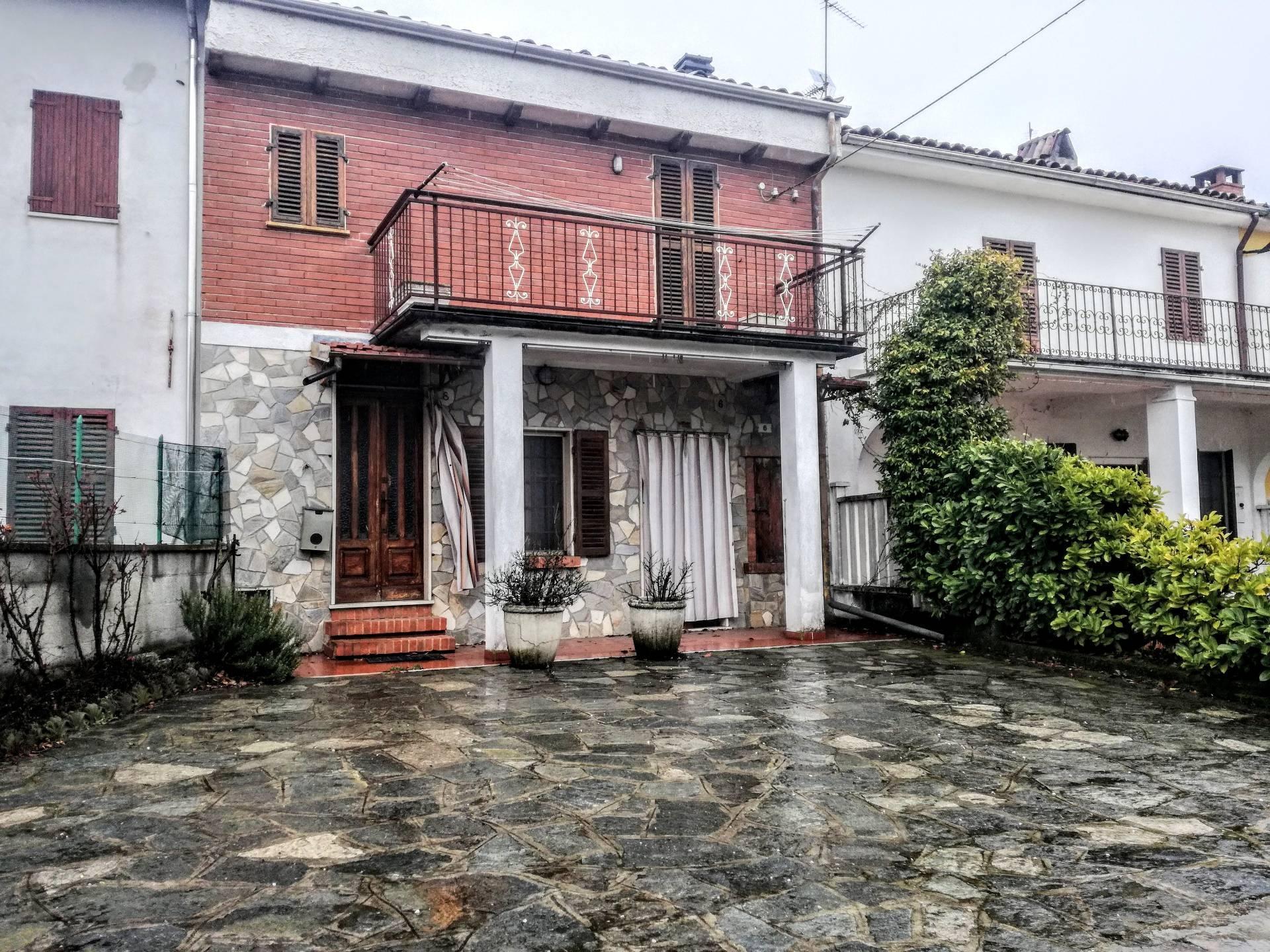 Soluzione Semindipendente in vendita a Camino, 5 locali, prezzo € 54.000 | CambioCasa.it