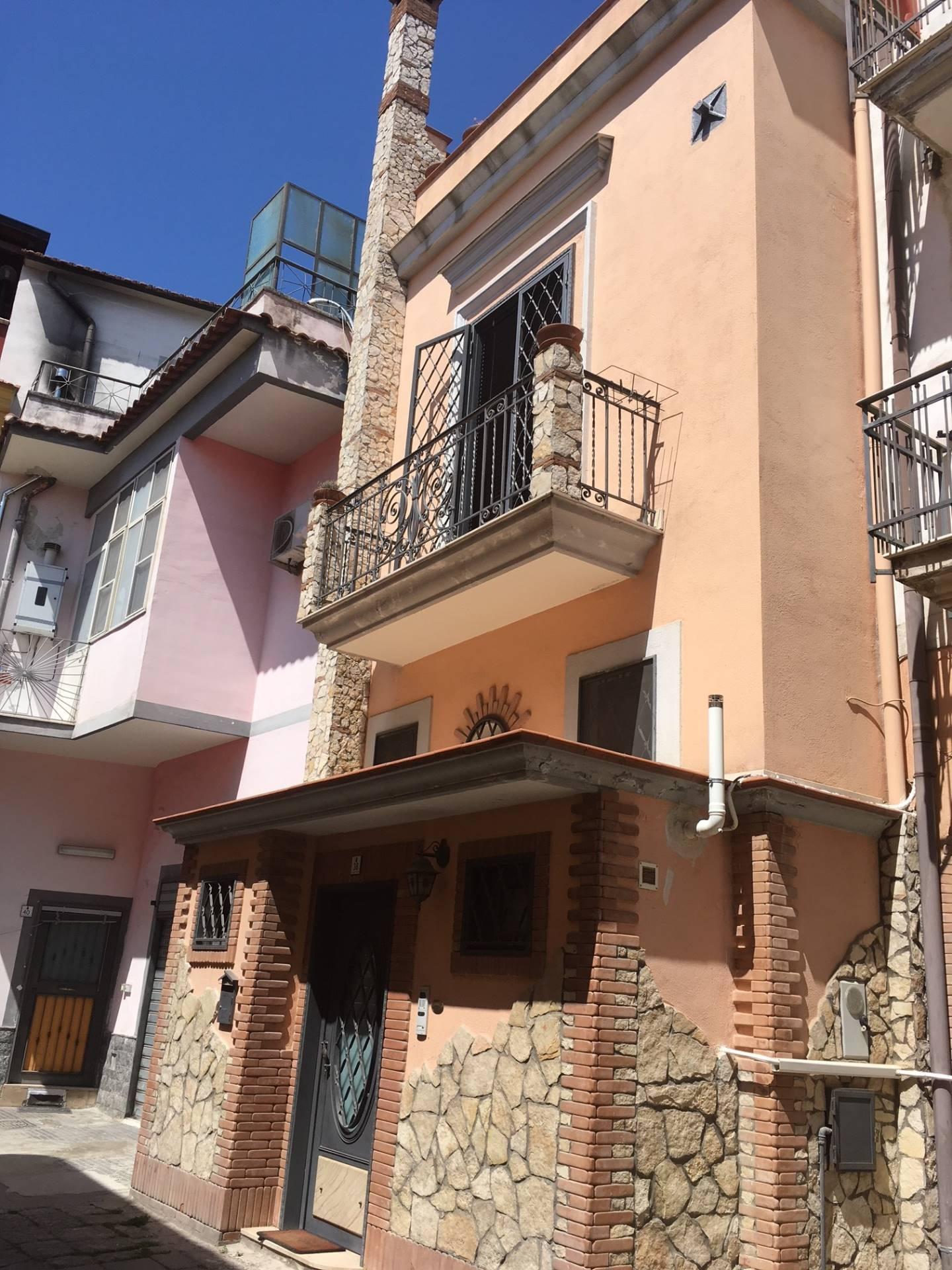 Soluzione Semindipendente in vendita a Mariglianella, 3 locali, prezzo € 107.000 | CambioCasa.it