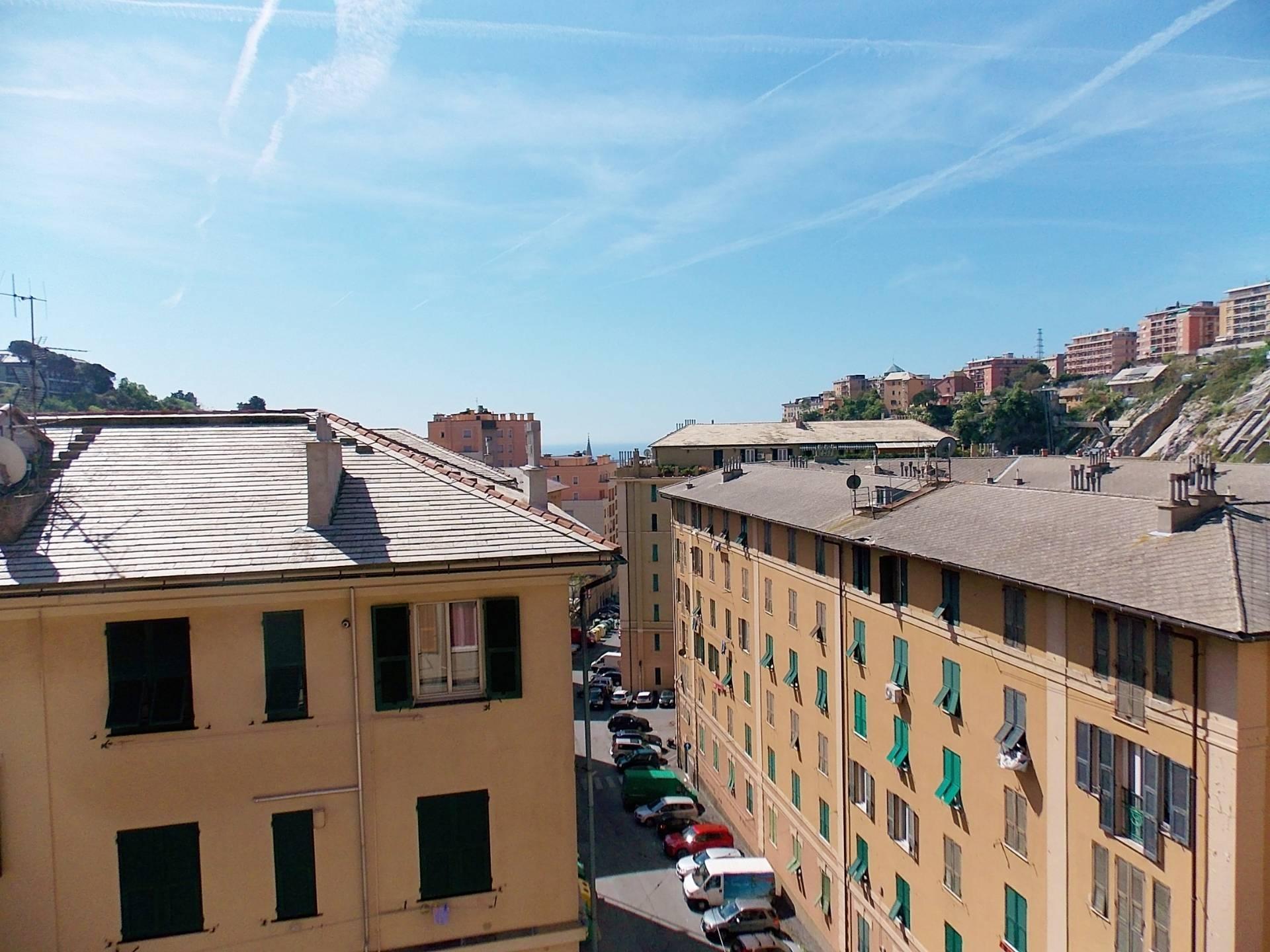 vendita appartamento genova san teodoro  69000 euro  6 locali  70 mq