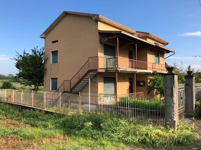 vendita casa singola palazzolo sull'oglio   148000 euro  3 locali  168 mq