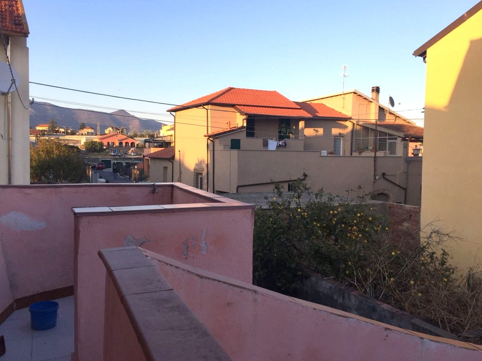 vendita casa semindipendente albenga leca  190000 euro  8 locali  130 mq