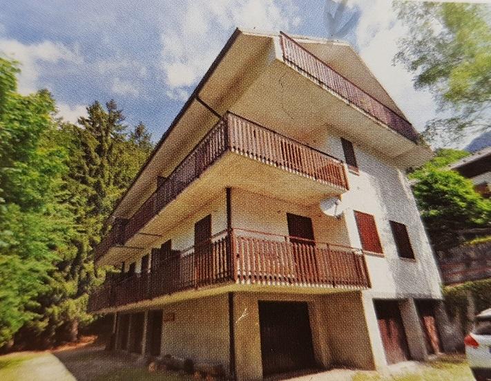 Appartamento in vendita a Piazzatorre, 3 locali, prezzo € 38.000 | CambioCasa.it