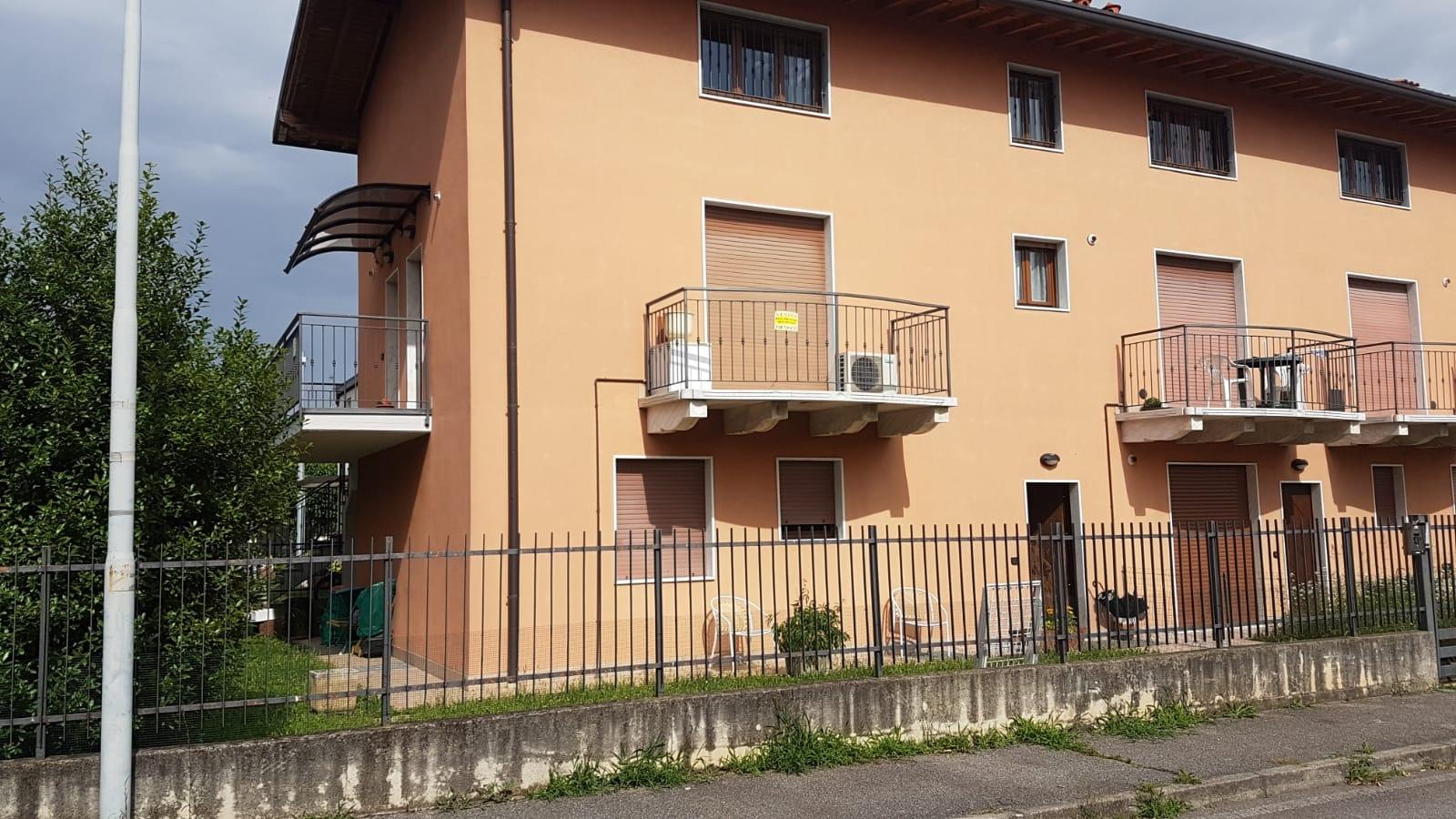 Appartamento in vendita a Zanica, 3 locali, prezzo € 128.500 | CambioCasa.it