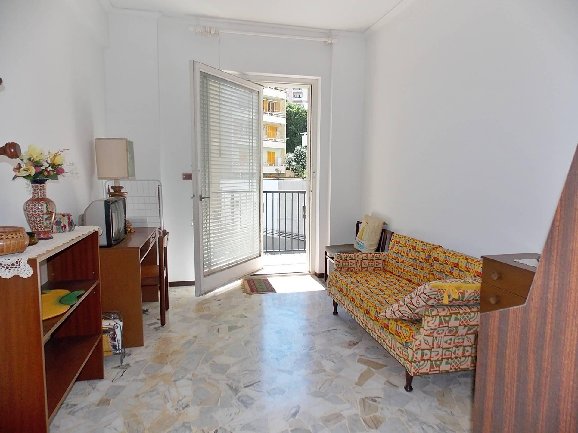 vendita appartamento genova principe  70000 euro  5 locali  65 mq
