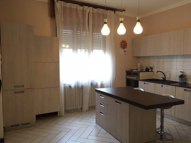 Appartamento in vendita a Ghisalba, 3 locali, prezzo € 149.900 | CambioCasa.it