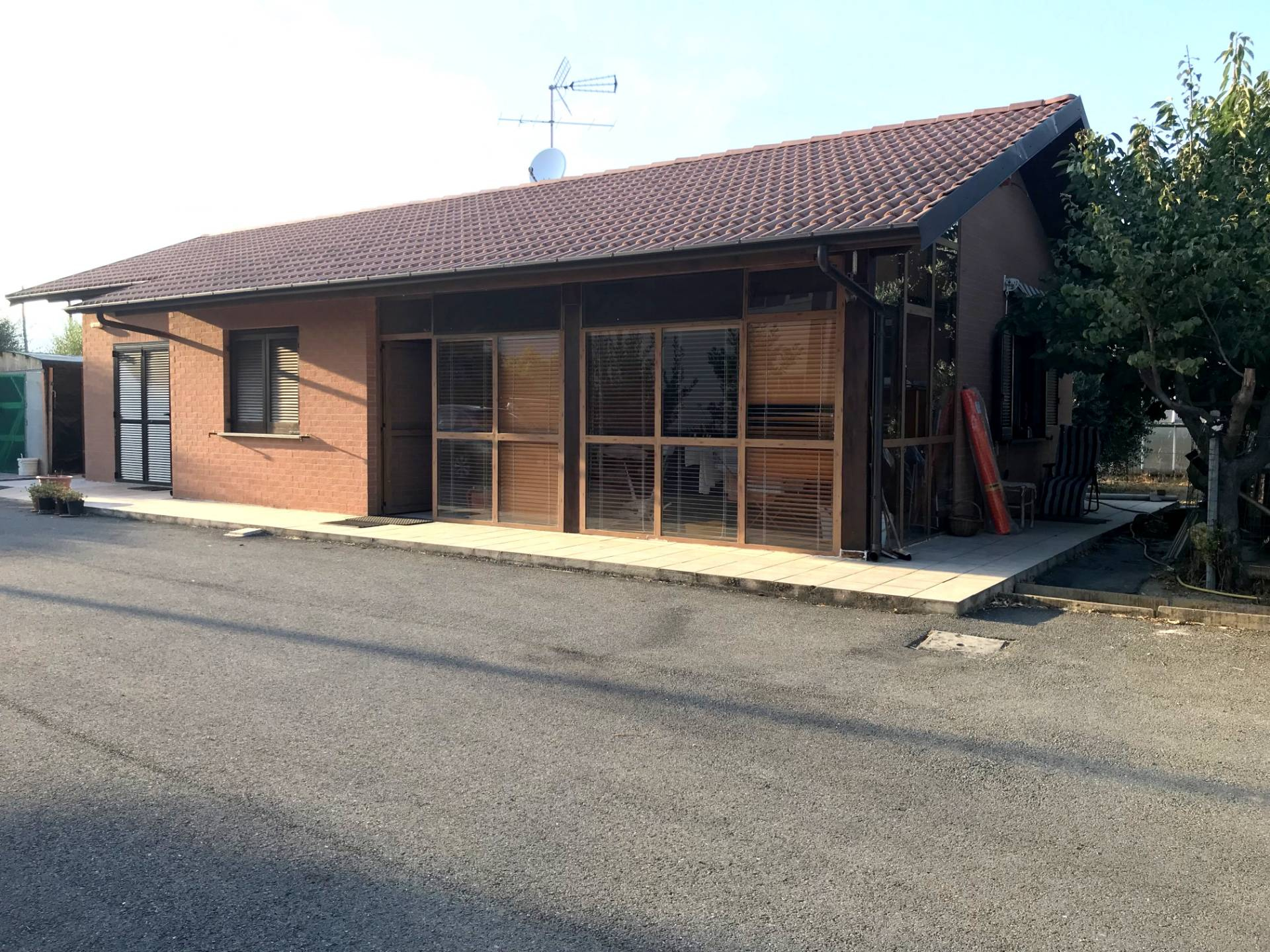 Villa in vendita a Albenga, 4 locali, prezzo € 300.000 | CambioCasa.it