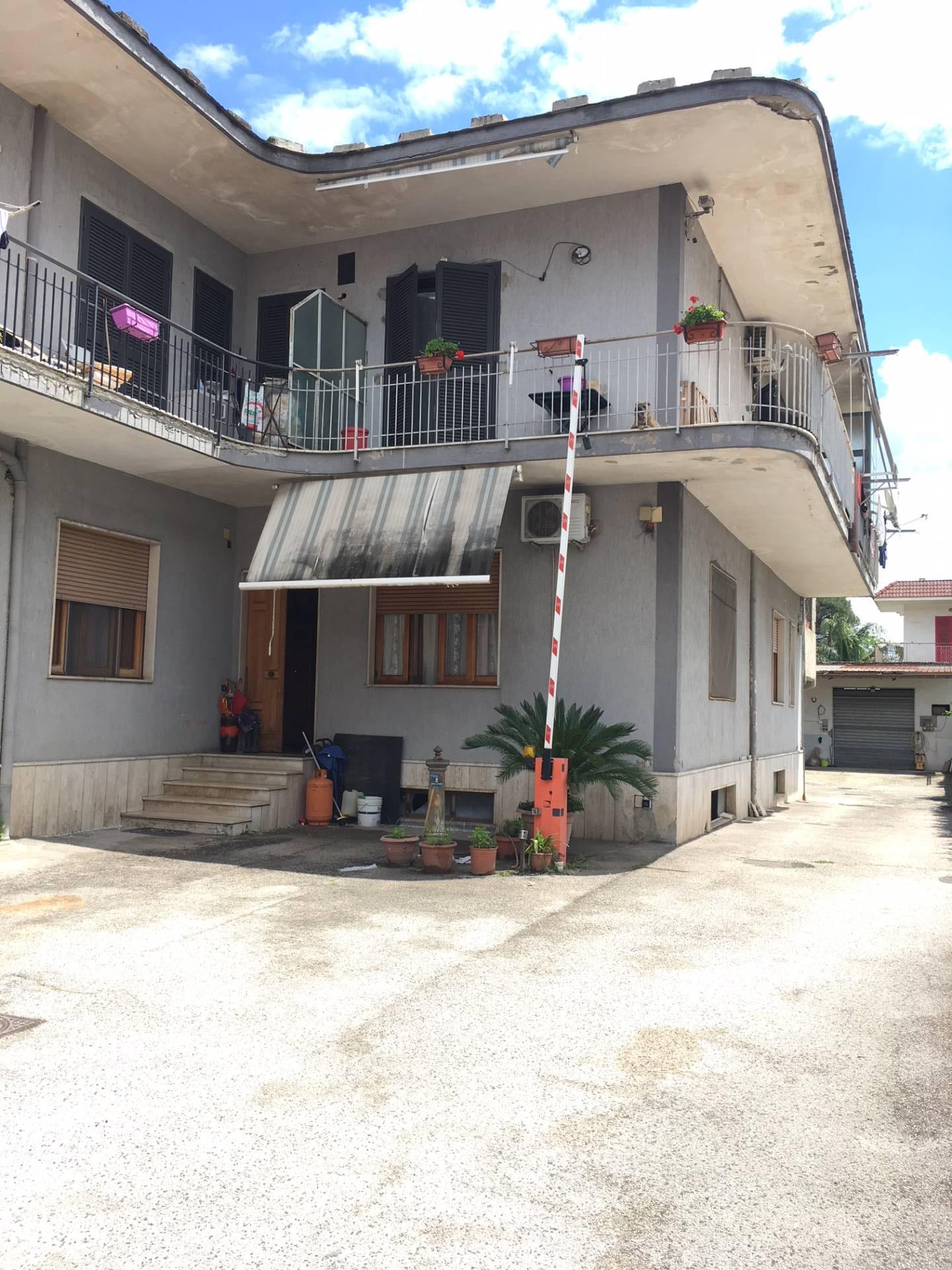 affitto appartamento marigliano   450 euro  3 locali  90 mq