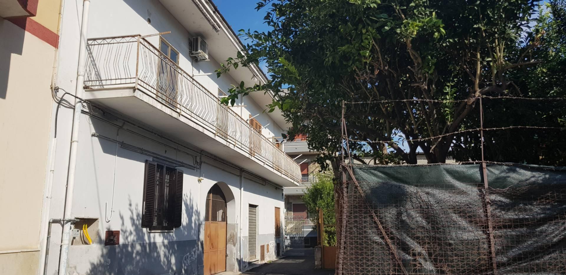 Appartamento in vendita a Brusciano, 3 locali, prezzo € 80.000 | CambioCasa.it