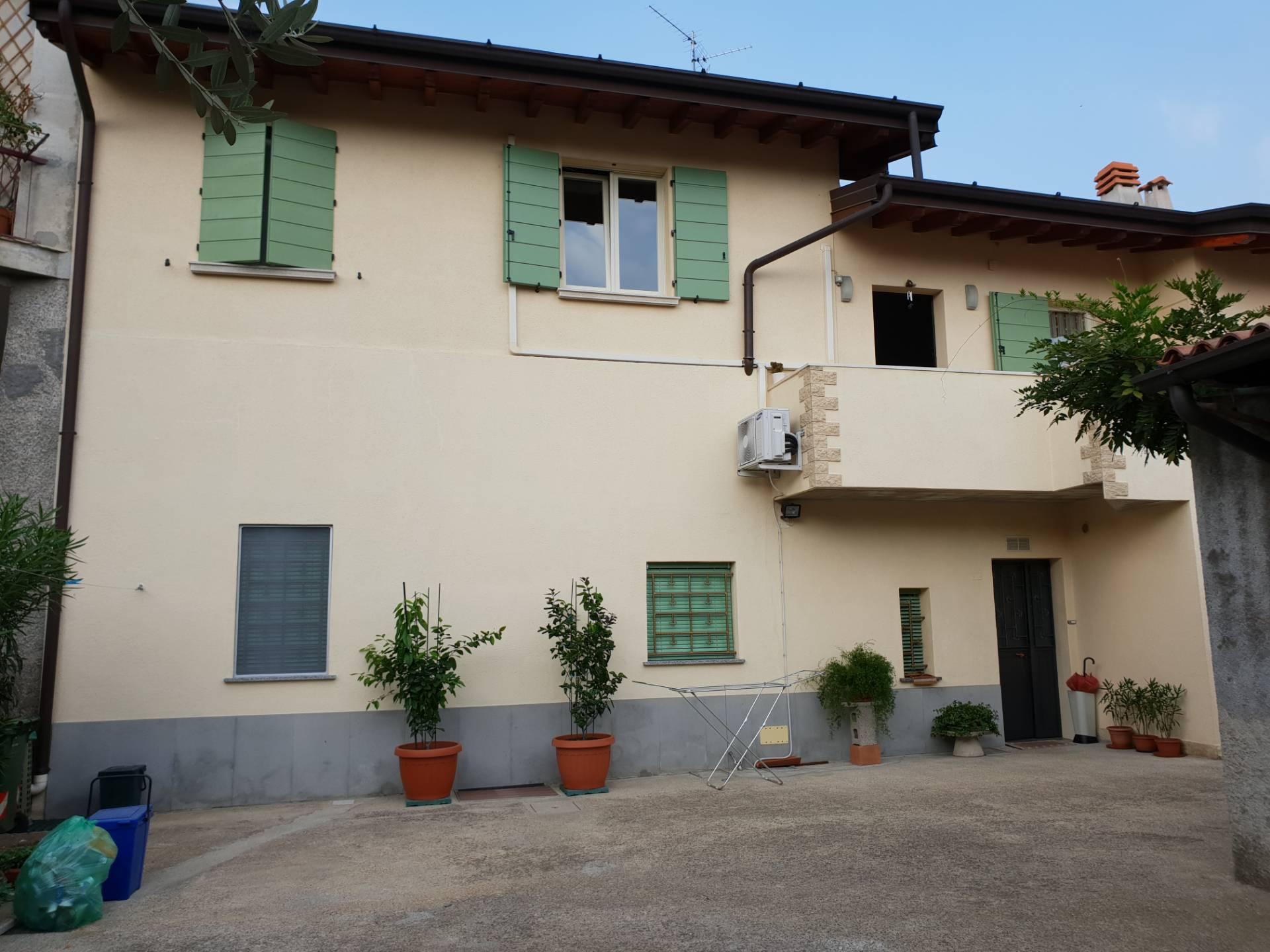 Appartamento in vendita a Rovato, 4 locali, prezzo € 195.000 | PortaleAgenzieImmobiliari.it