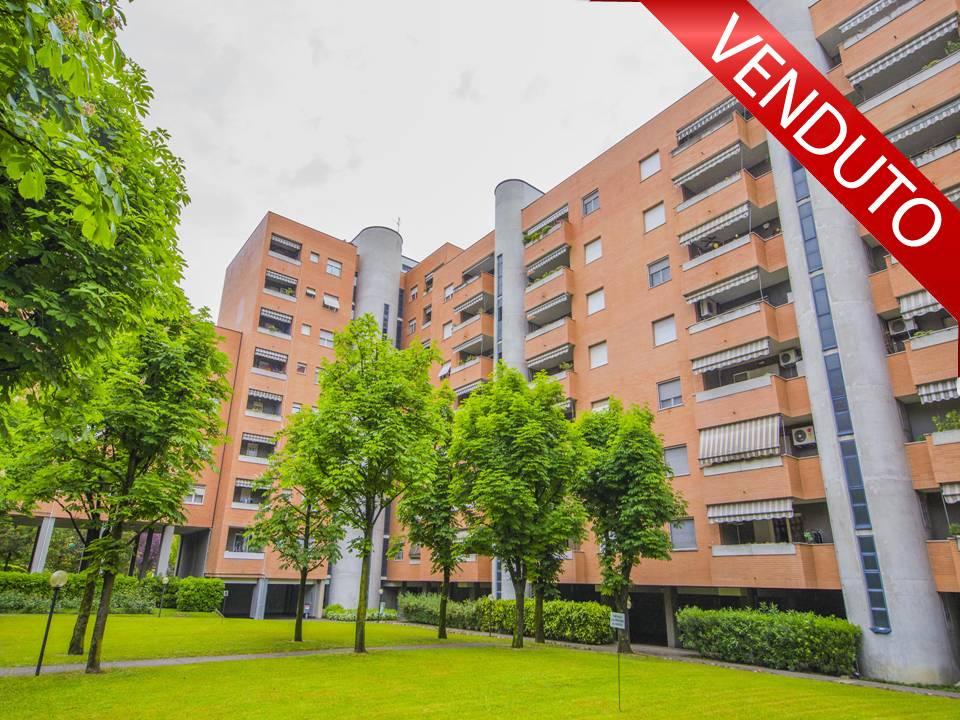 vendita appartamento milano quartiere adriano  250000 euro  3 locali  110 mq