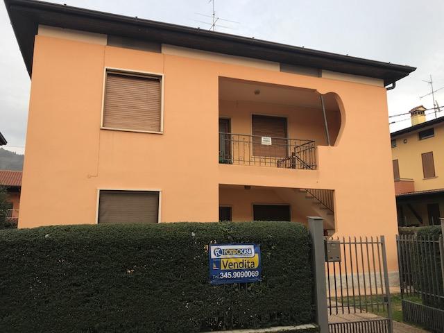 Villa in vendita a Cologne, 8 locali, prezzo € 165.000 | CambioCasa.it