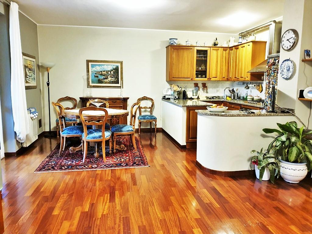 Appartamento in vendita a Albisola Superiore, 4 locali, prezzo € 295.000 | PortaleAgenzieImmobiliari.it