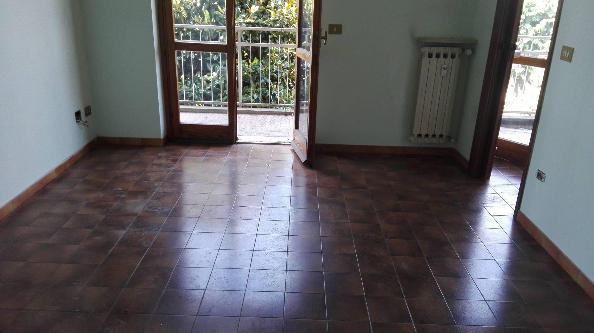 Appartamento in affitto a Candia Lomellina, 4 locali, prezzo € 350 | CambioCasa.it