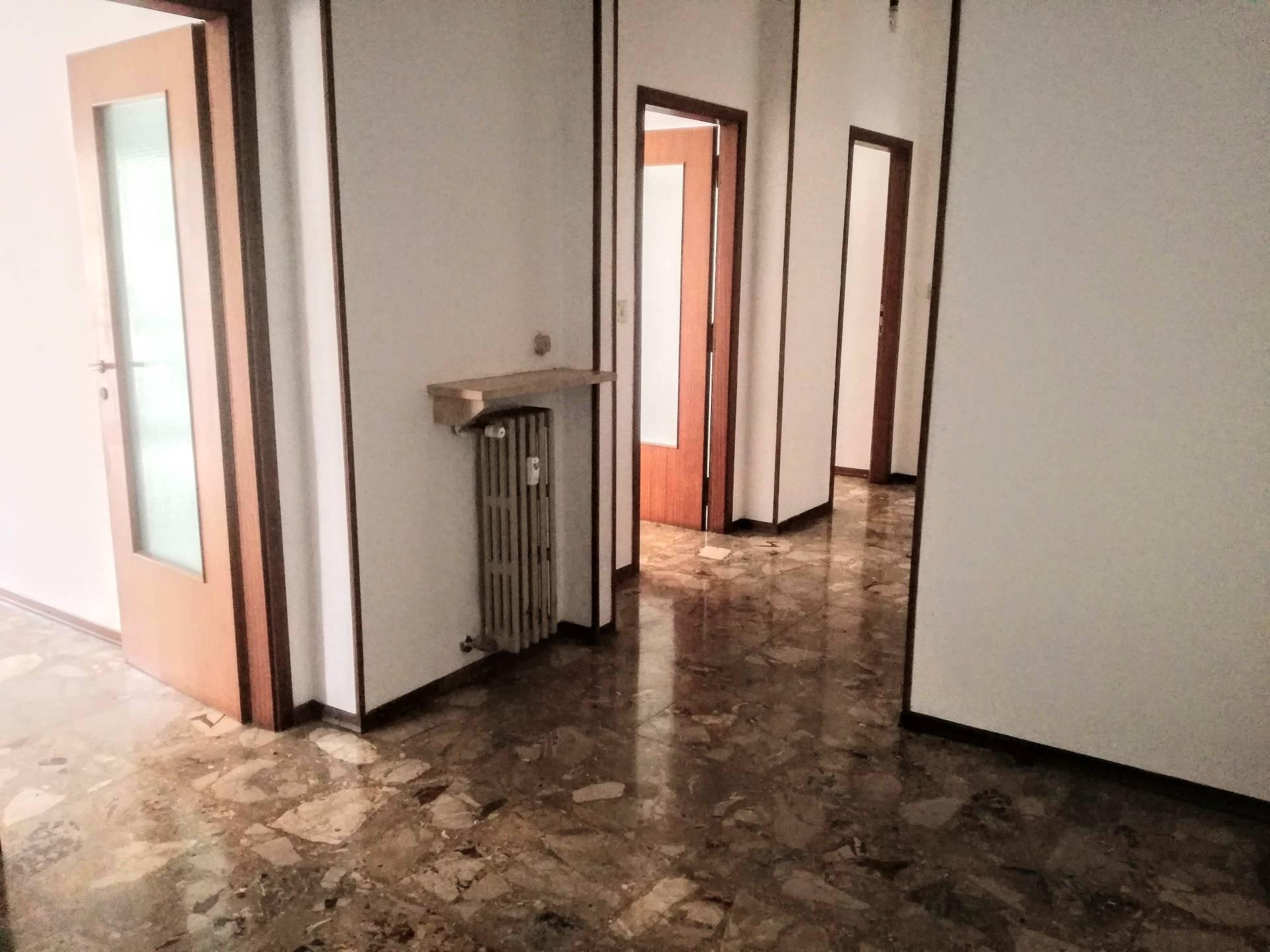 Appartamento in affitto a Casale Monferrato, 4 locali, prezzo € 380 | CambioCasa.it