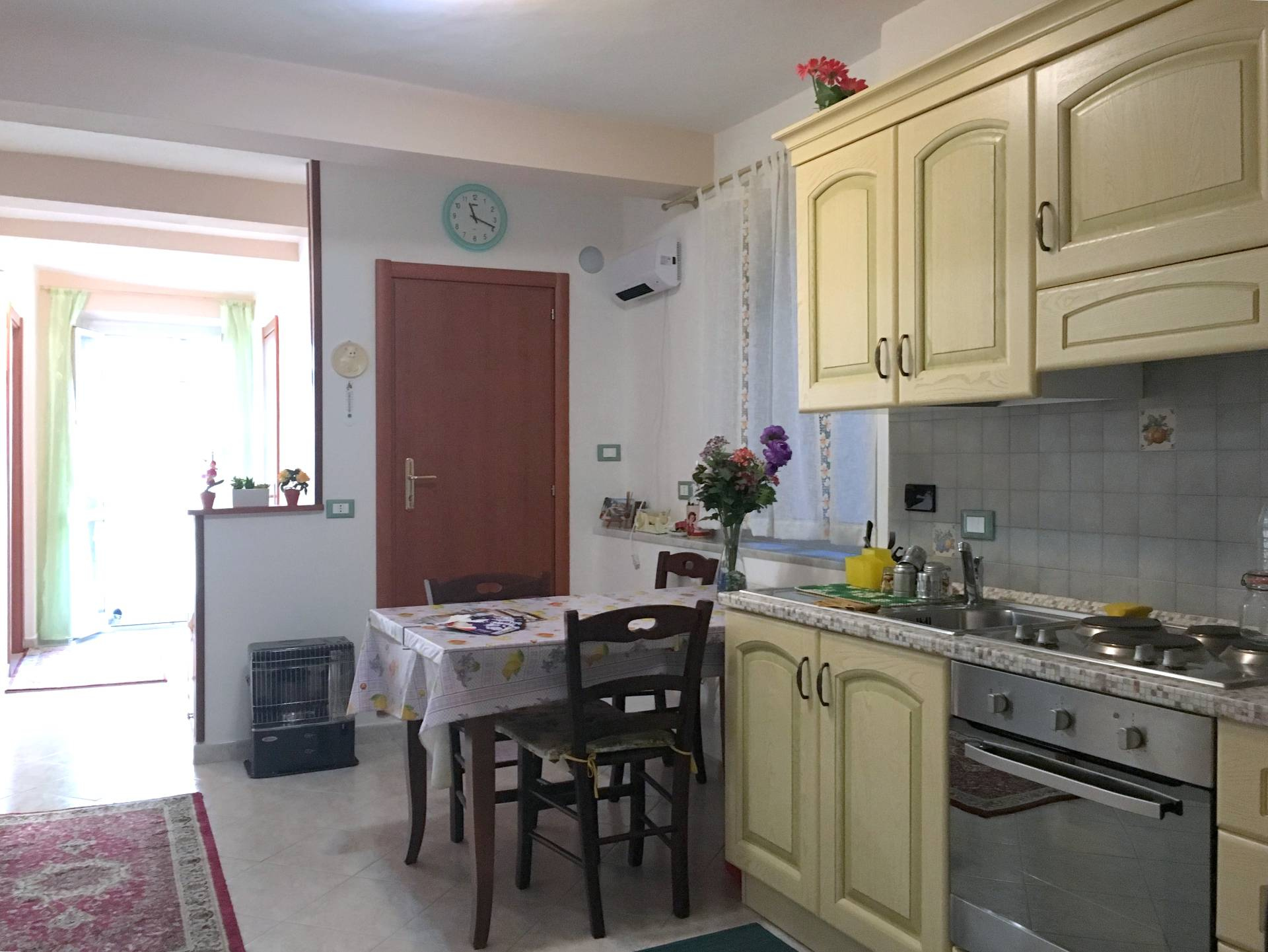 Foto 1 di Appartamento Via Untoria, Savona