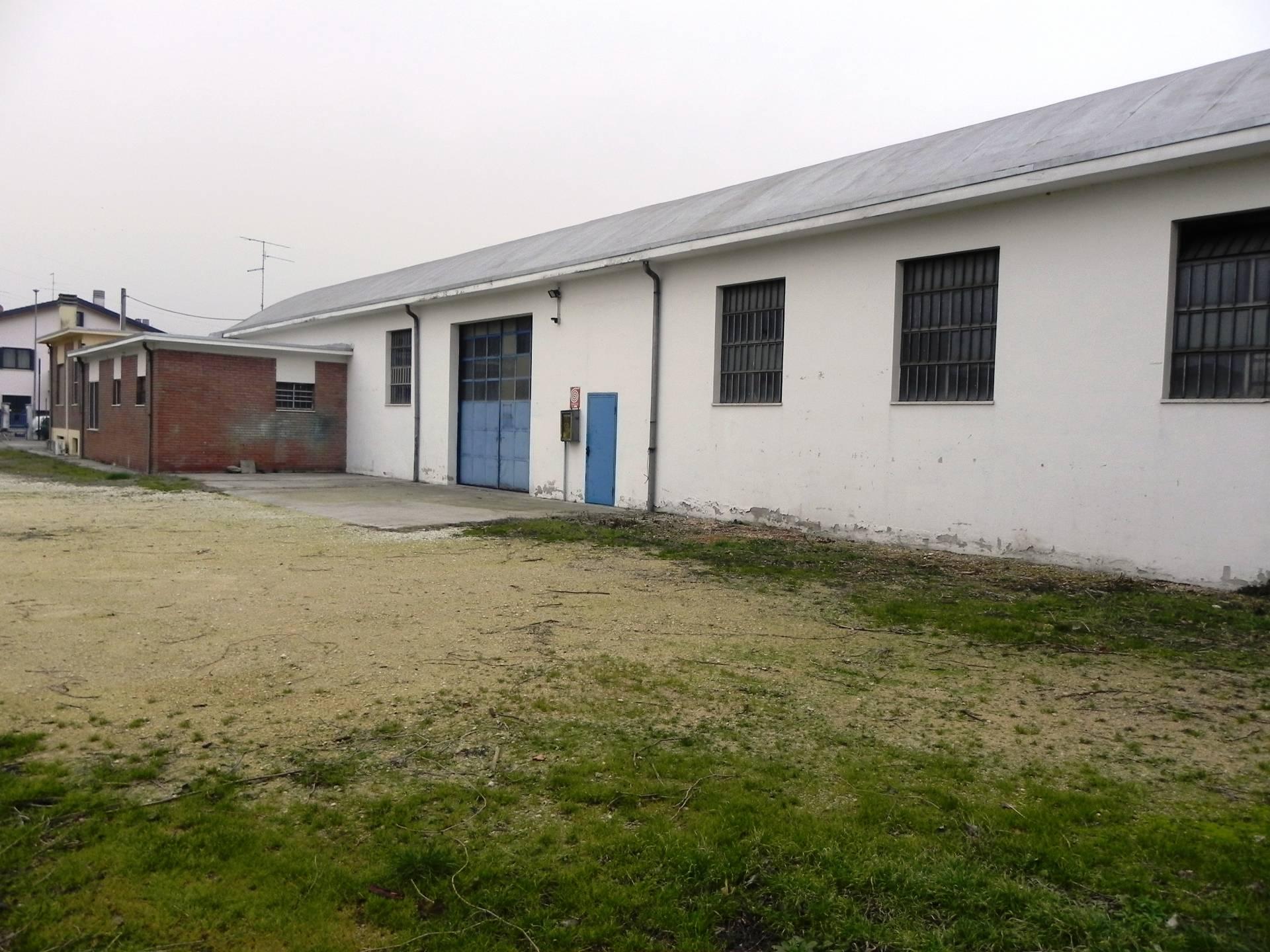Capannone in affitto a Lavagno, 9999 locali, zona Zona: Vago, prezzo € 1.100 | CambioCasa.it