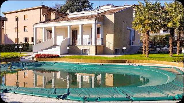 Villa in vendita a Chiuduno, 7 locali, Trattative riservate | CambioCasa.it