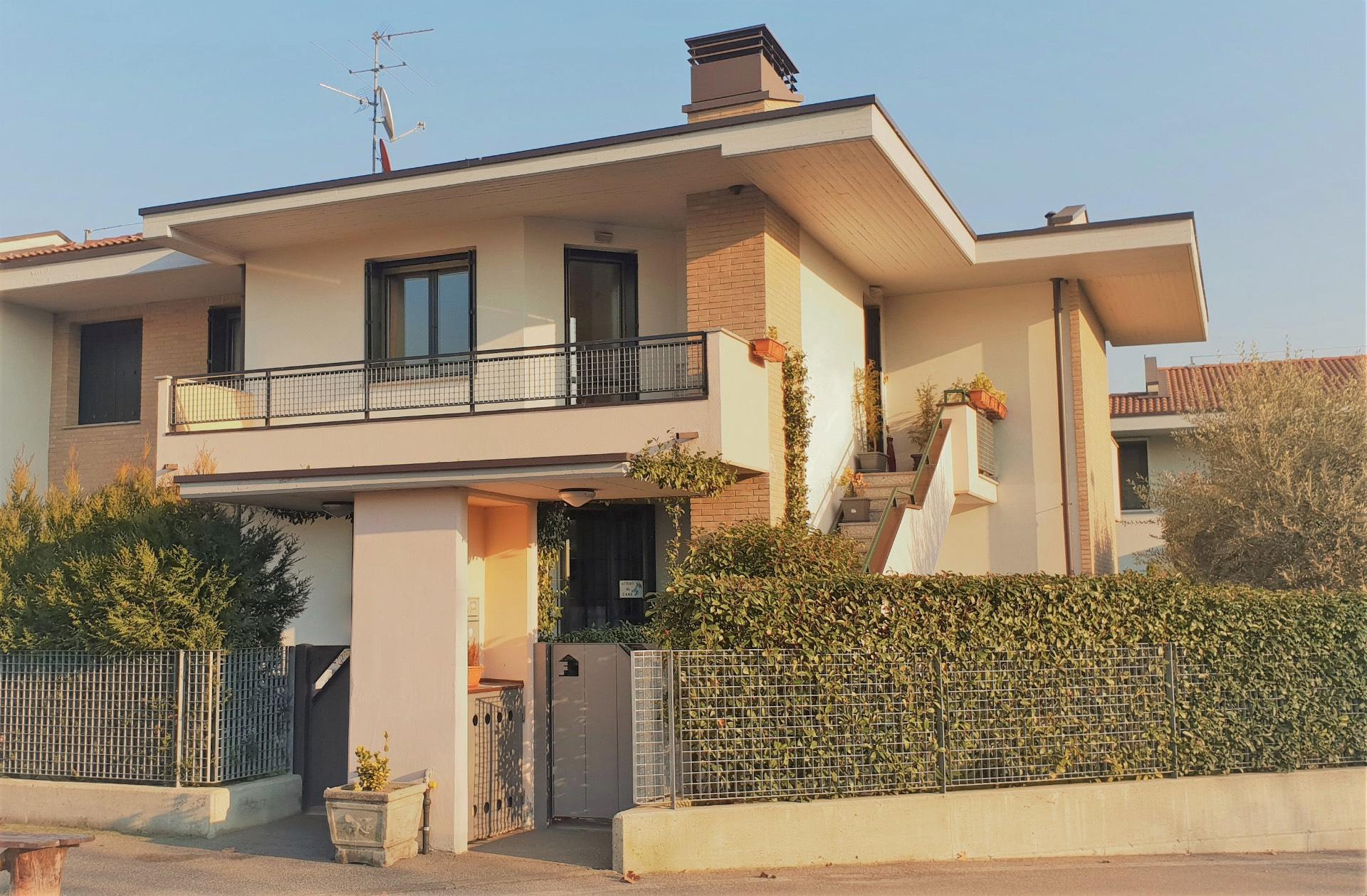 Appartamento in vendita a Zanica, 4 locali, Trattative riservate   CambioCasa.it