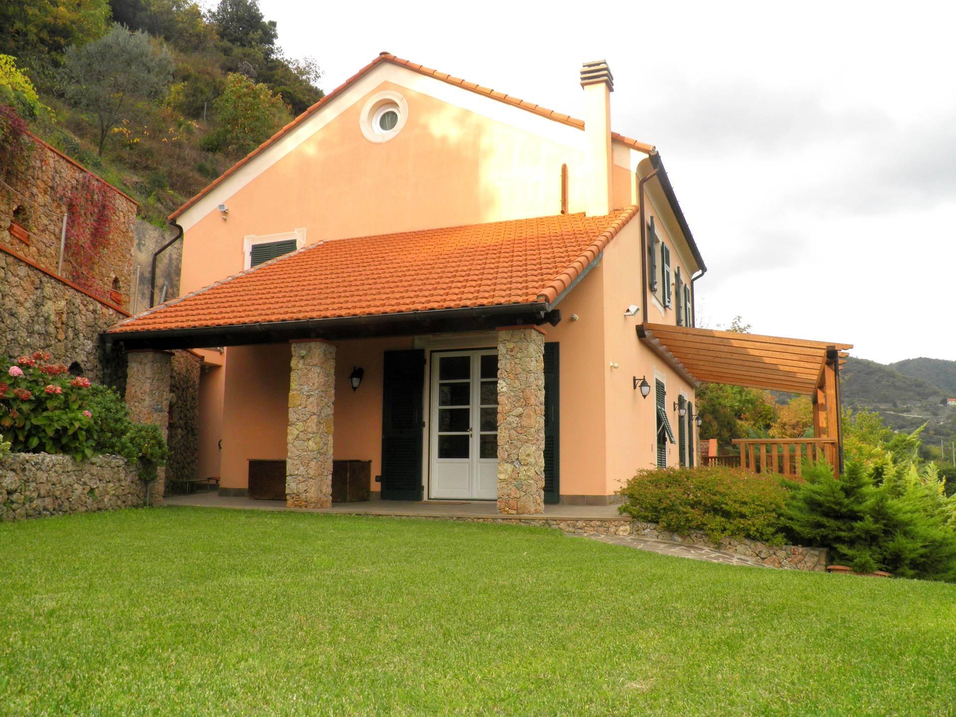 Appartamento in vendita a Albisola Superiore, 6 locali, prezzo € 670.000 | PortaleAgenzieImmobiliari.it
